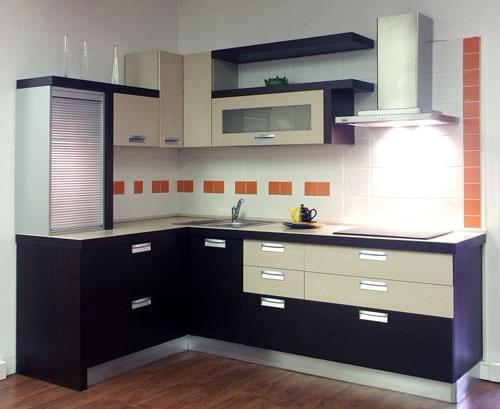 угловая кухня черно белая