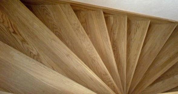 Деревянные ступени для лестницы