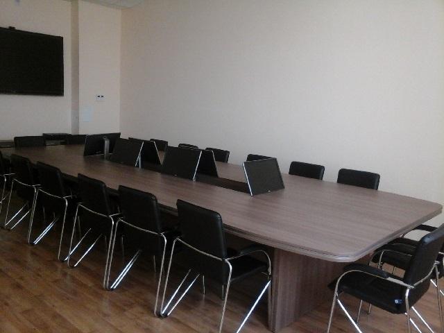 Стол для переговоров фото 31