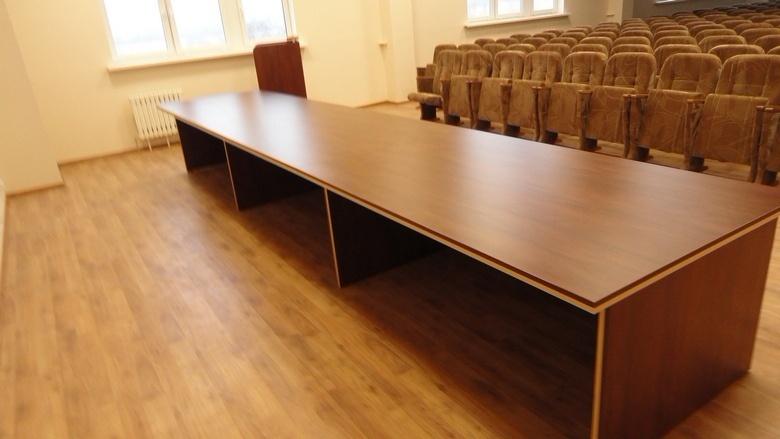 Стол для переговоров фото 30