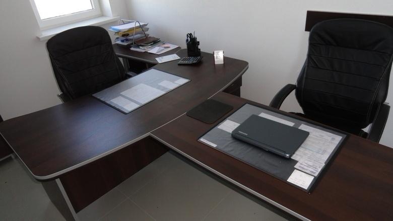 Купить столы для сотрудников на заказ в Минске