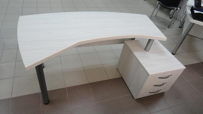 Стол для персонала на заказ в Минске