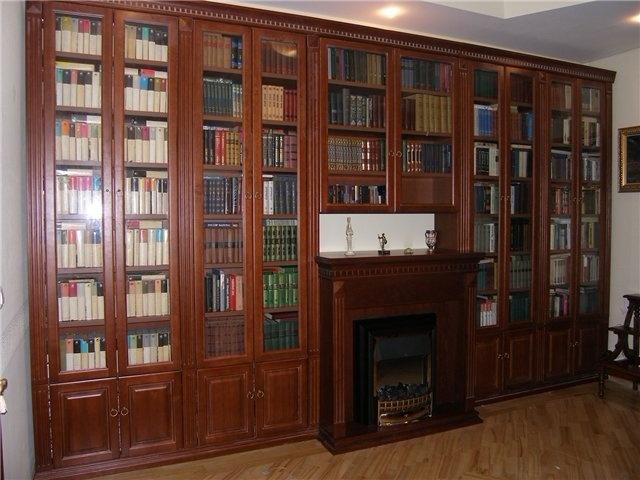 книжный шкаф в гостиную