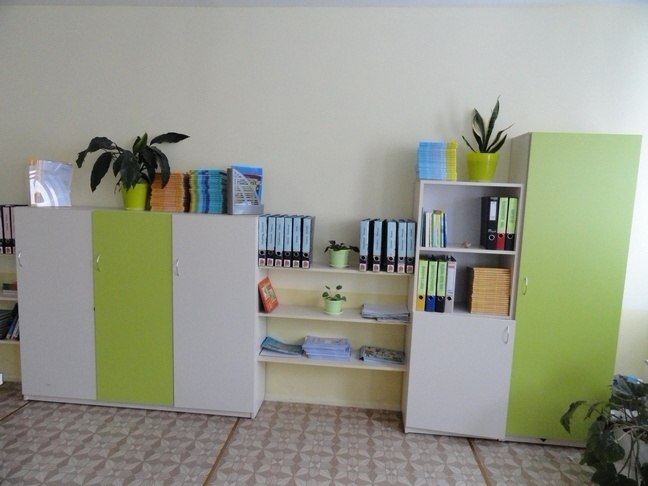 шкаф для документов в кабинет руководителя