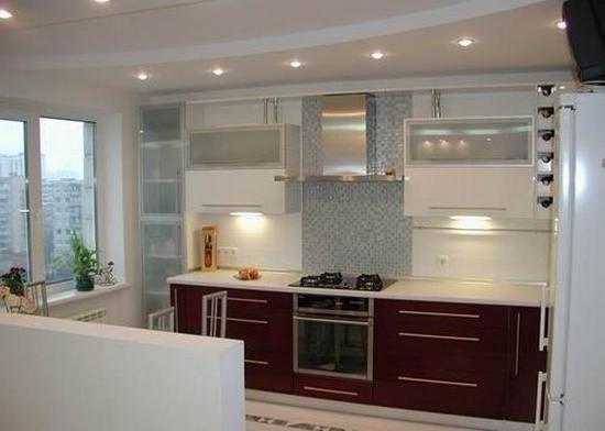 бордово-белая кухня на заказ