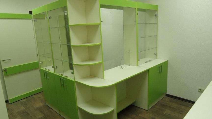 мебель для маленькой аптеки на заказ зелено-белая