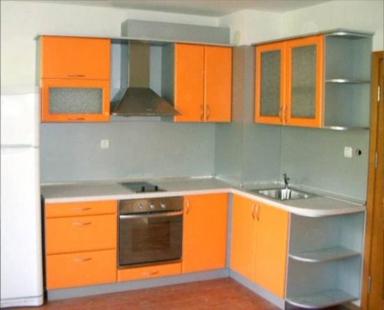 оранжевая кухня угловая на заказ