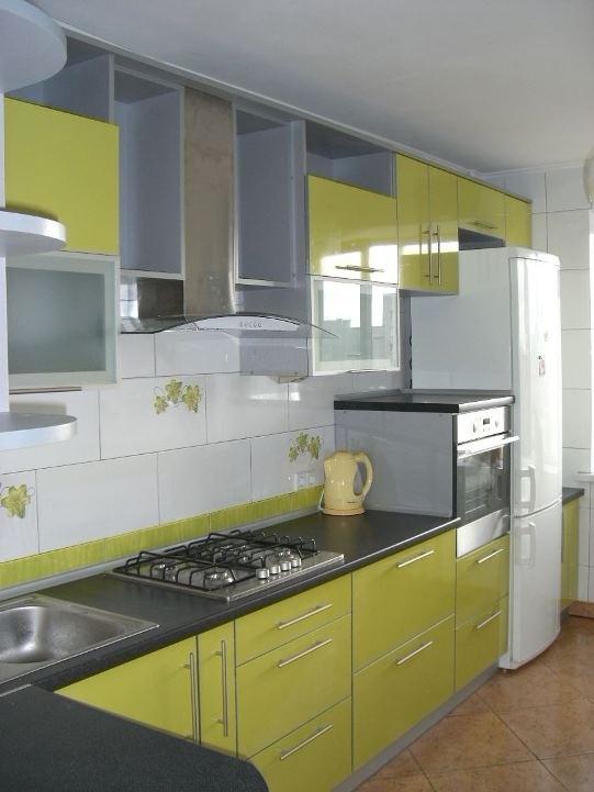 Кухни с салатовыми пластиковыми фасадами