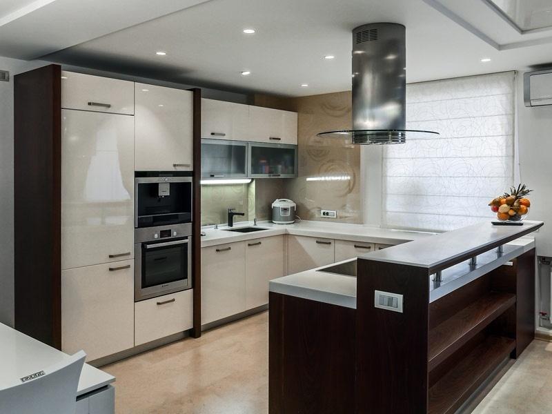 Кухня из мдф угловая цвет белый глянец и венге
