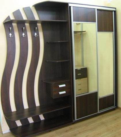 Встроенный шкаф для прихожей на заказ